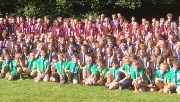 Scouting De Mohicanen op internationaal kamp met Engelse zustergroep